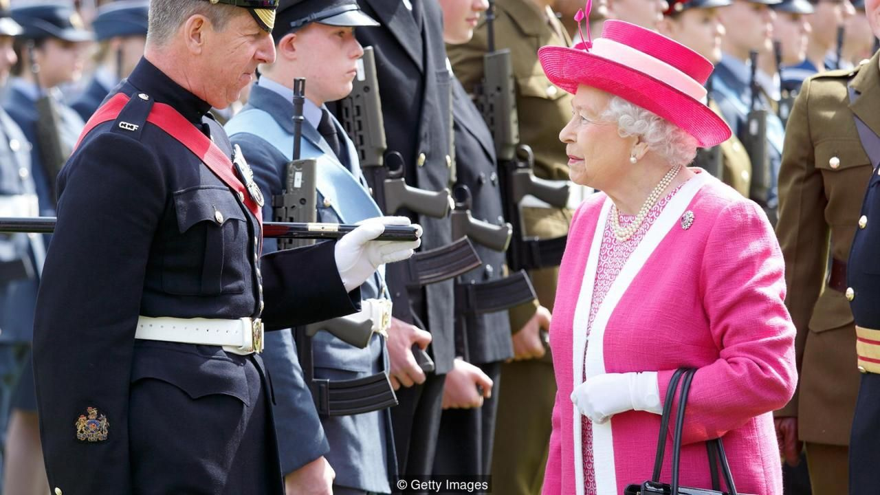 What's in the Queen's handbag and other bits of courtly etiquette
