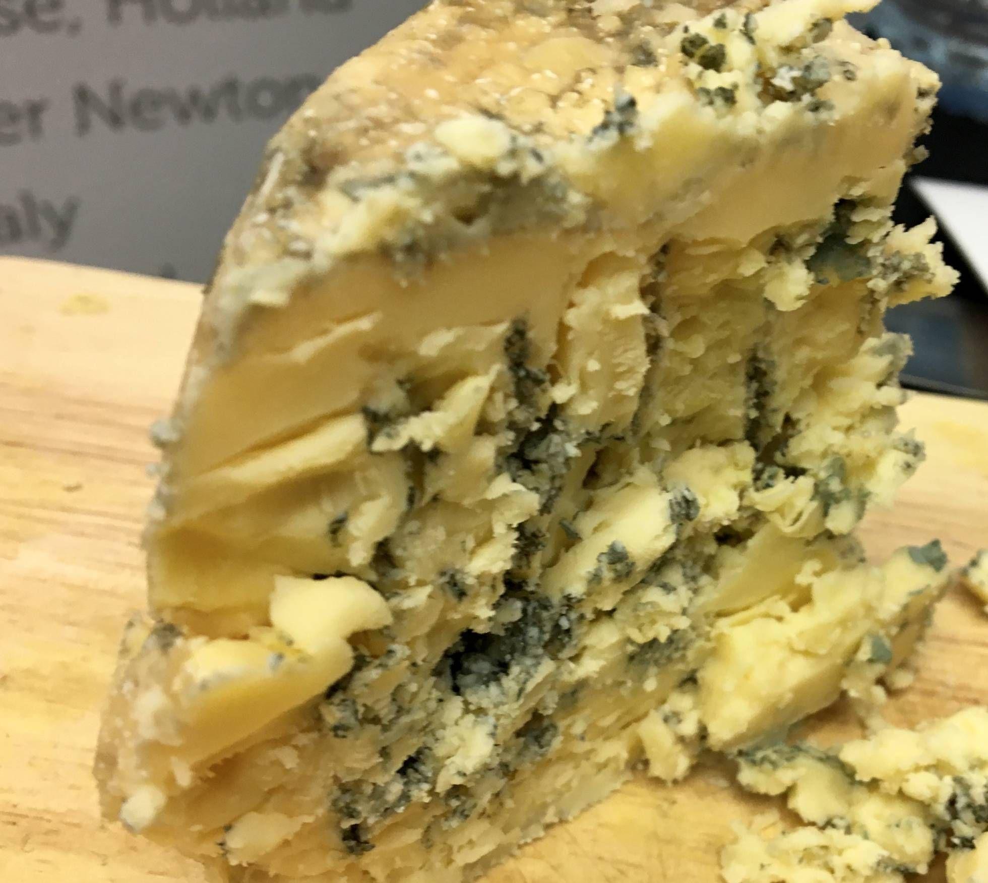 """El mejor queso del mundo. .... """"EL PORTENTOSO QUESO AZUL KRAFTAR  CAPEL"""