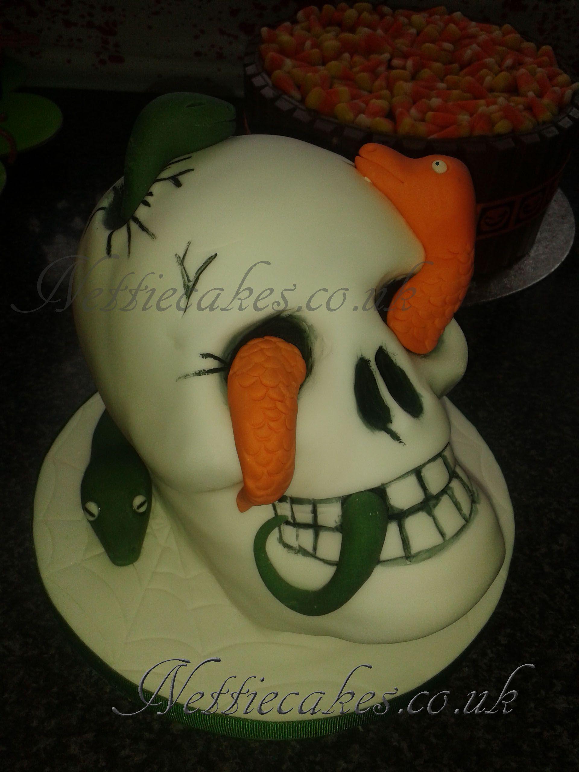 Skull and snakes cake nettiecakes pinterest snake cakes and cake