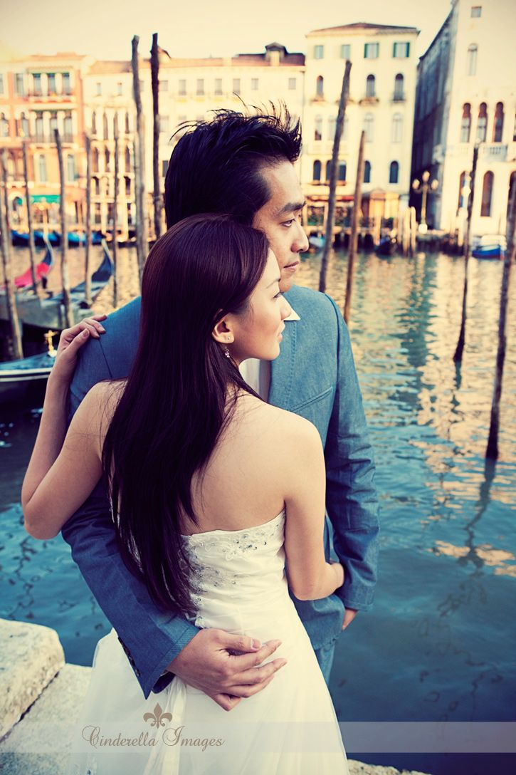 Pre Wedding Photography Session in Venice Love Wedding