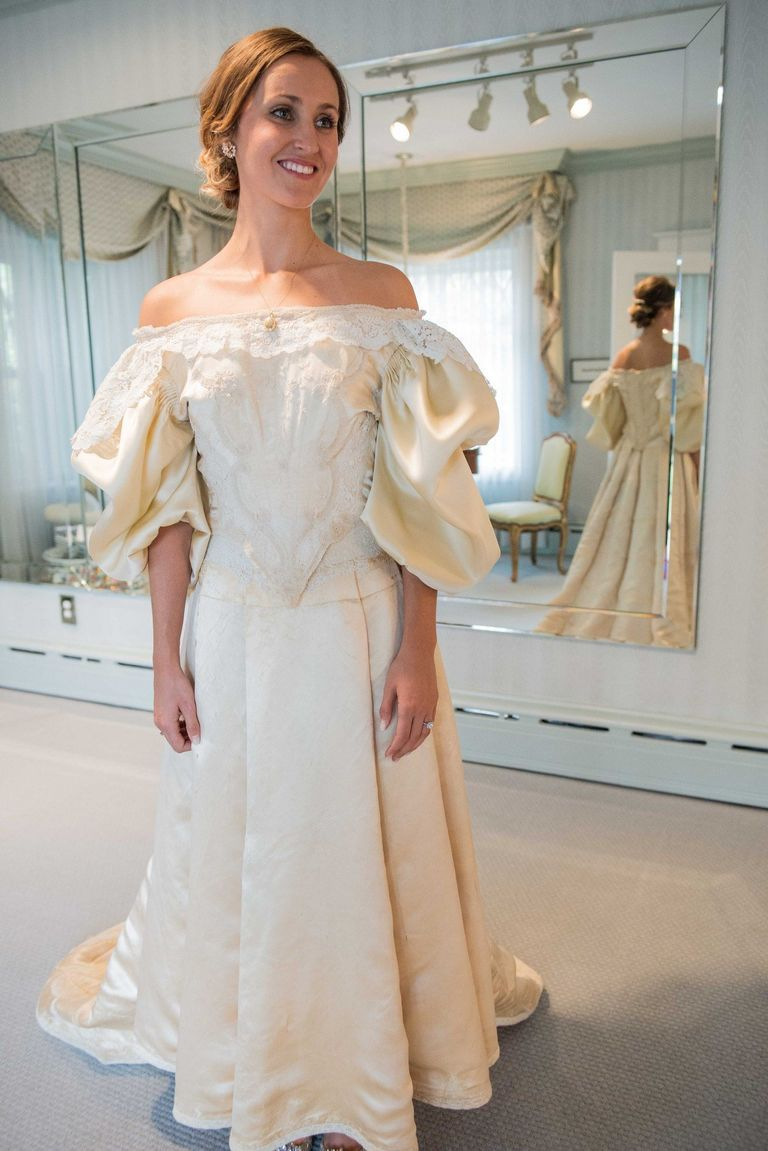 Bride will be 11th to wear 120-year-old heirloom wedding dress ...