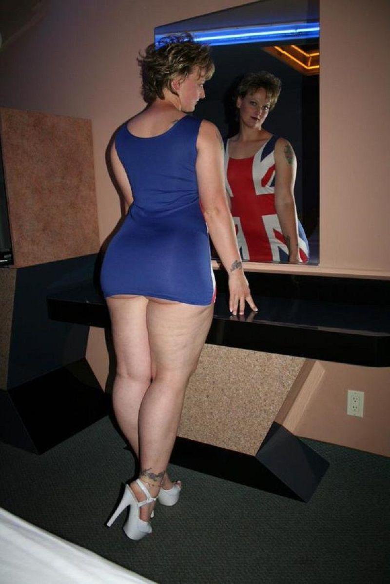 Mature older average women posing nude