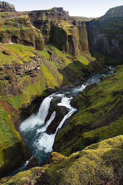 Des gorges pas banales, Iceland