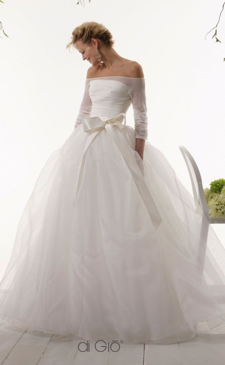 beautiful off the shoulder ball gown with bow wedding dress #wedding #weddingdress #weddingdresses #weddinggown #bridalgown #bridaldress