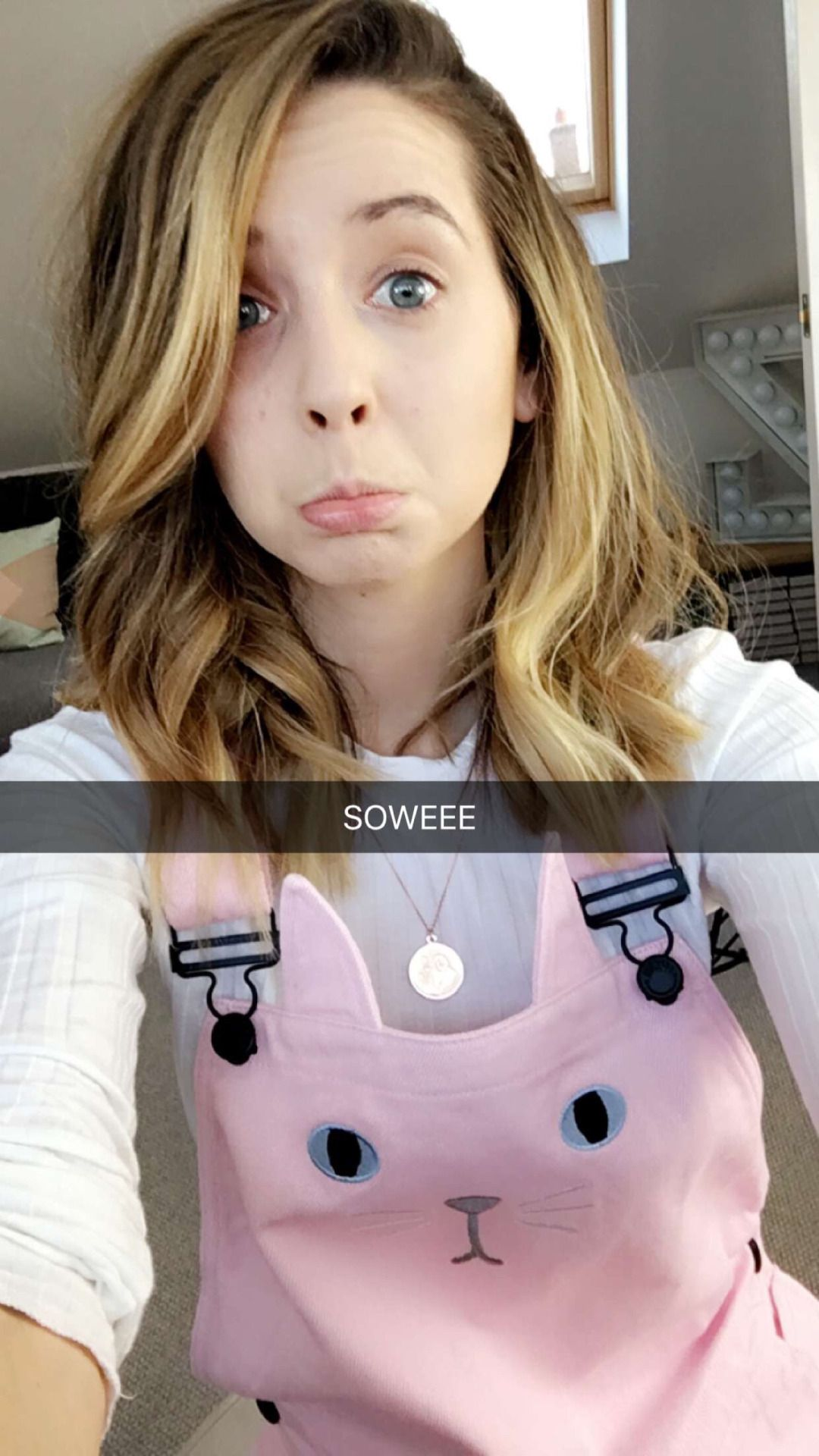 Zoe Sugg Daily • Your 1 source for Zoella