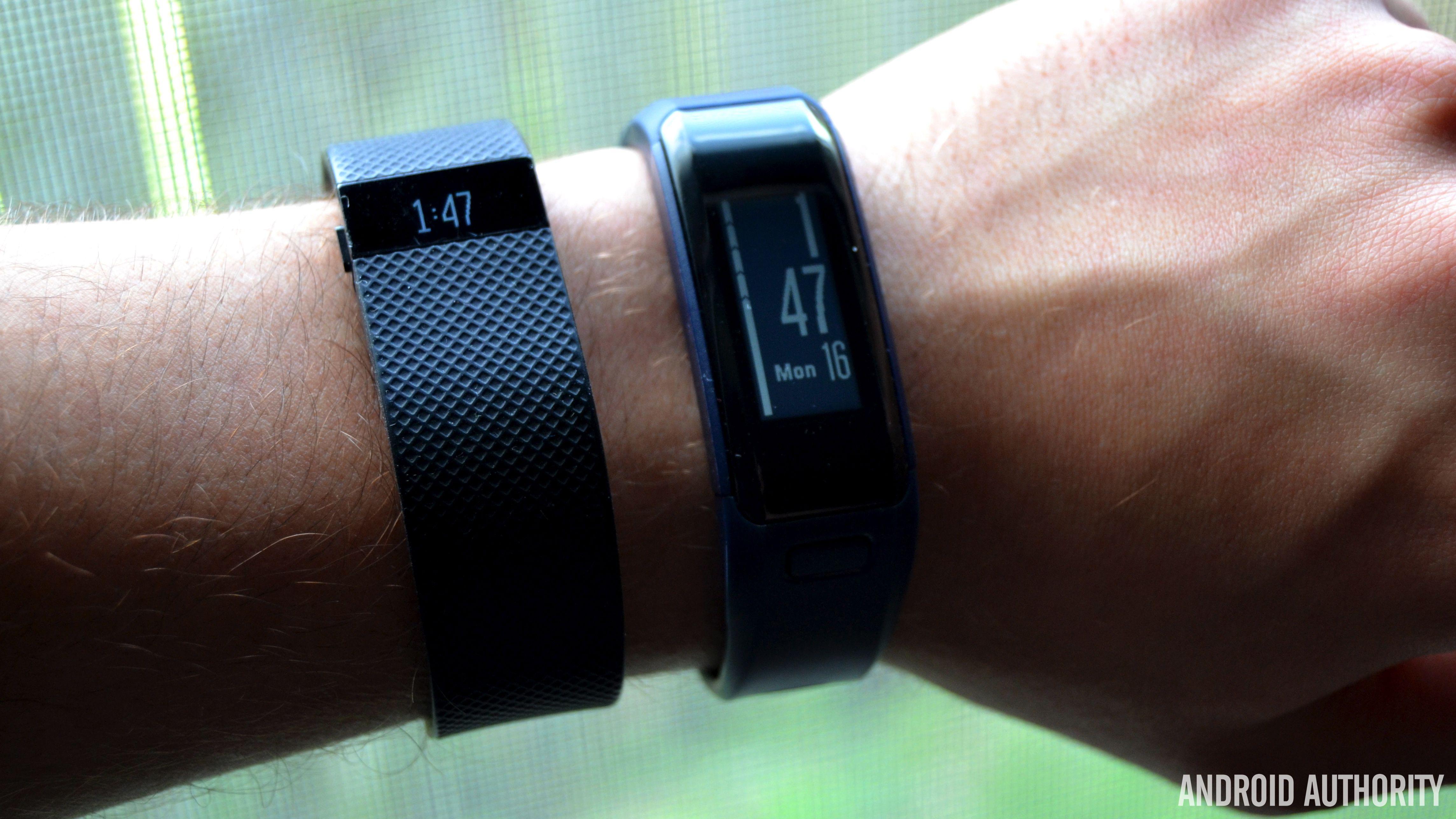 Fitbit Charge Hr Vs Garmin Vivosmart Hr Fitbit Fitness Tracker Fitness Watch Tracker Garmin Fitness Tracker