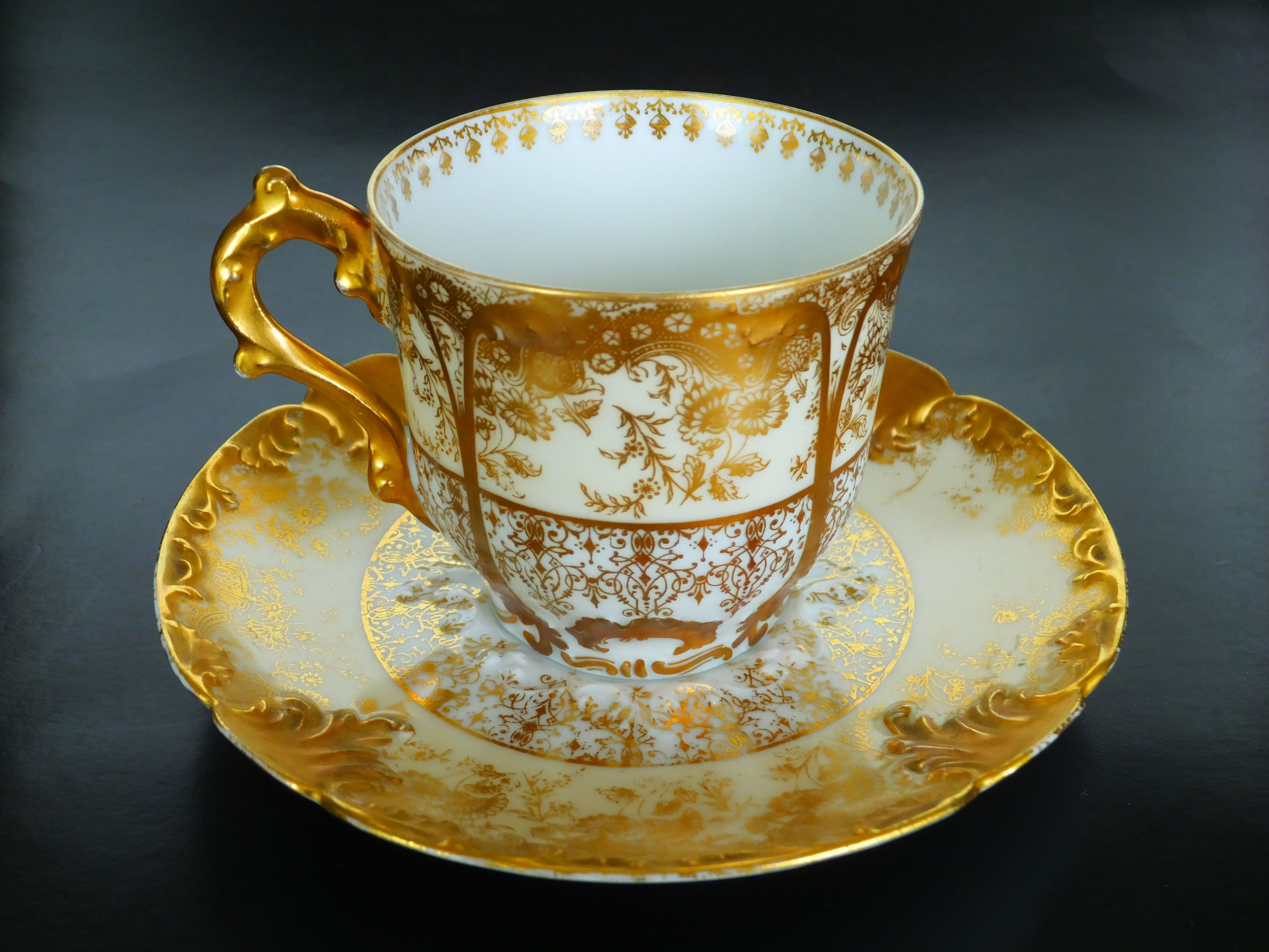 Beautiful CFH/GDM(Charles Field Haviland/Gerard, Dufraisseix Morel) Limoges France  1891. Antique Tea CupsTea ... Pictures