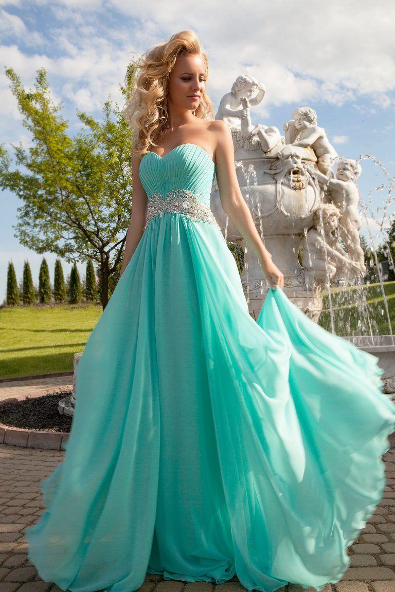 Robe de soiree couleur bleu ciel