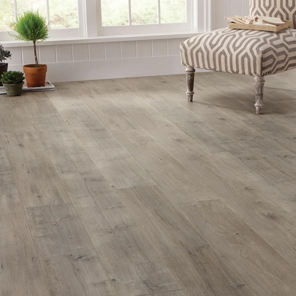 Home Decorators Collection Eir Ashcombe Aged Oak 8 Mm Thick X 7 11 16 In Wide X 50 11 16 In Length Laminate F Flooring Home Depot Flooring Farmhouse Flooring
