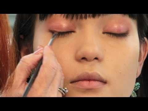 Asian Eye Makeup Tutorial - How to Create a Natural Daytime Look