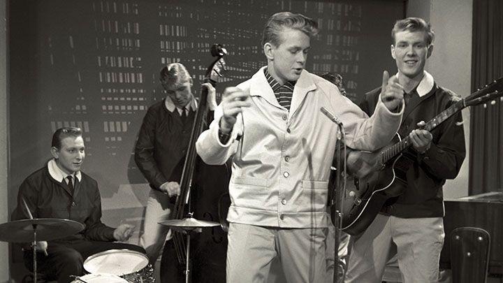 Pekka Loukiala kuului Suomen rock & roll -pioneereihin. Vuonna 1961 maan rock-kuninkaaksi äänestetty nuorukainen oli samana vuonna mukana myös uraauurtavassa Rock Show -konserttisarjassa.