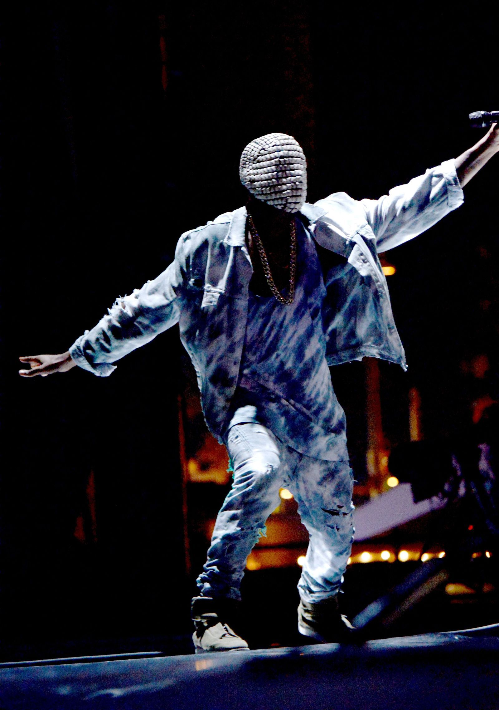 40 Of Kanye West S Most Kanye West Style Moments Kanye West Style Kanye West Yeezus Kanye West Wallpaper