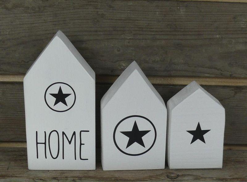 3 kleine holzh user wei mit sterne von werkzwo auf bois wood holz holz. Black Bedroom Furniture Sets. Home Design Ideas