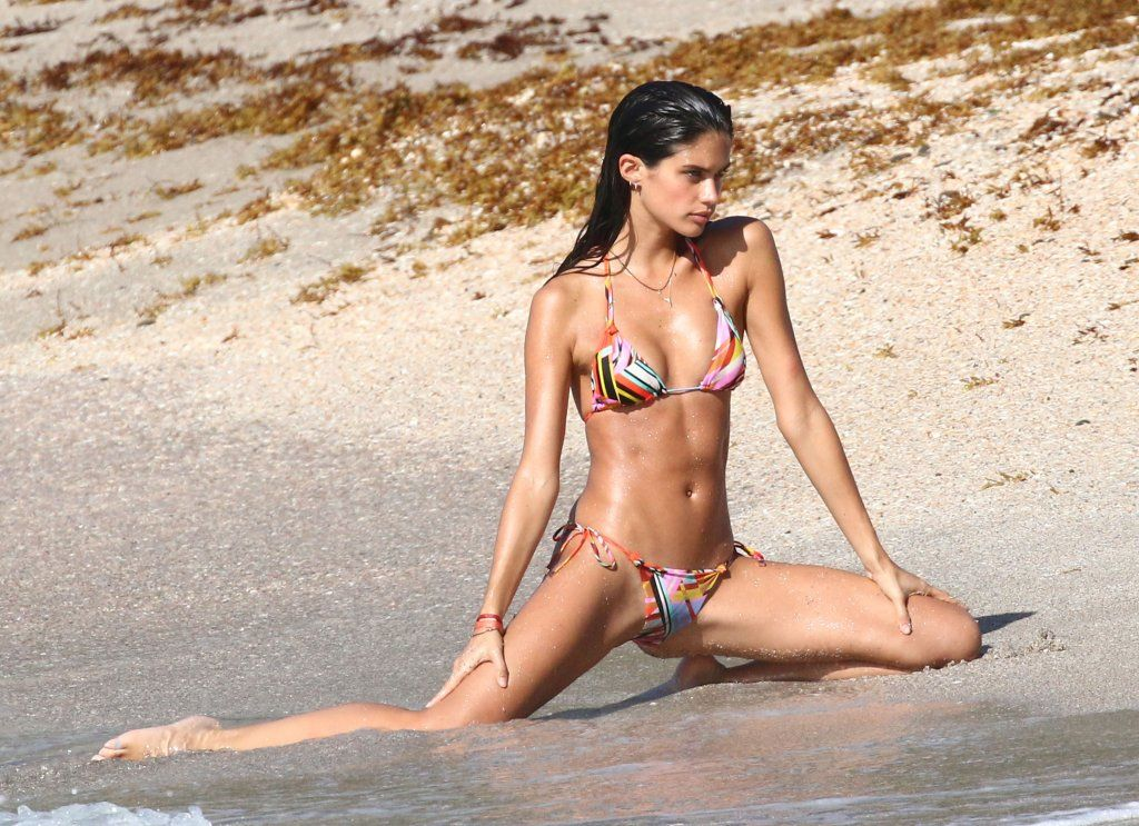17 Best images about Sara Sampaio on Pinterest | Models, Sports ...