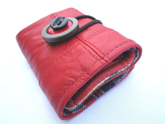 curio designs recycled leather wallet