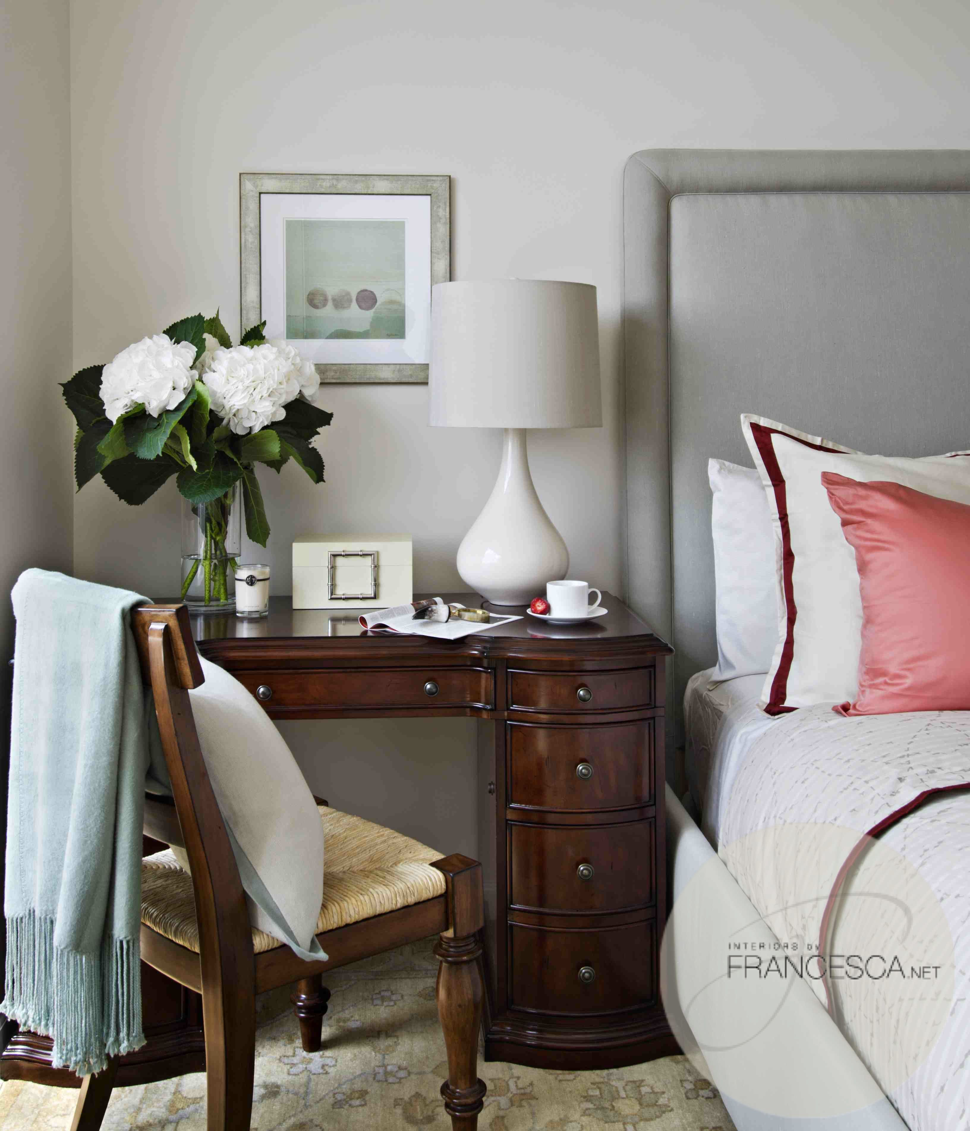 Bedside table decor pinterest - Even If Your Room Is Small You Can Create An Office Area Simply By Using A Desk As A Bedside Table Bonus See 10 Double Duty Nightstands