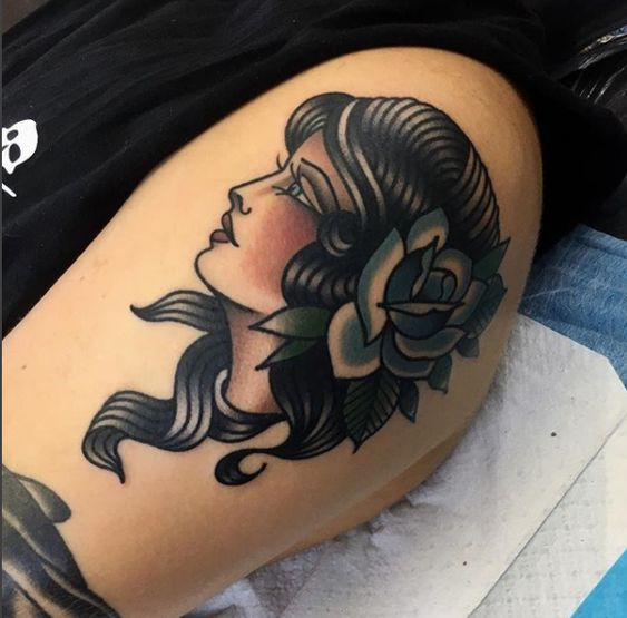 Photo of Tatouage réalisé par l'artiste Elizabeth Huxley May.
