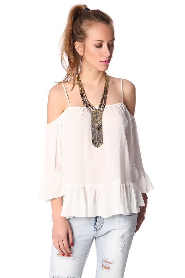 Just in! Off the shoulders tops for a boho chic style White top with frill trims https://goo.gl/a31OVs Novedades! Tops con hombros al descubierto para un estilo boho chic Top blanco volantes https://goo.gl/UALBvk