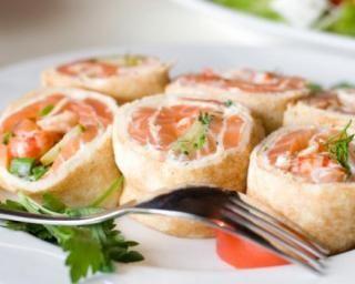 Rolls de crêpes au saumon fumé et fromage frais