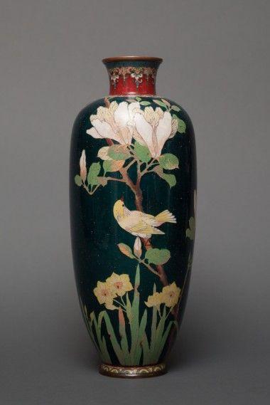 NA873 Japanese cloisonne Vase Floral and Bird Motif date c.1900