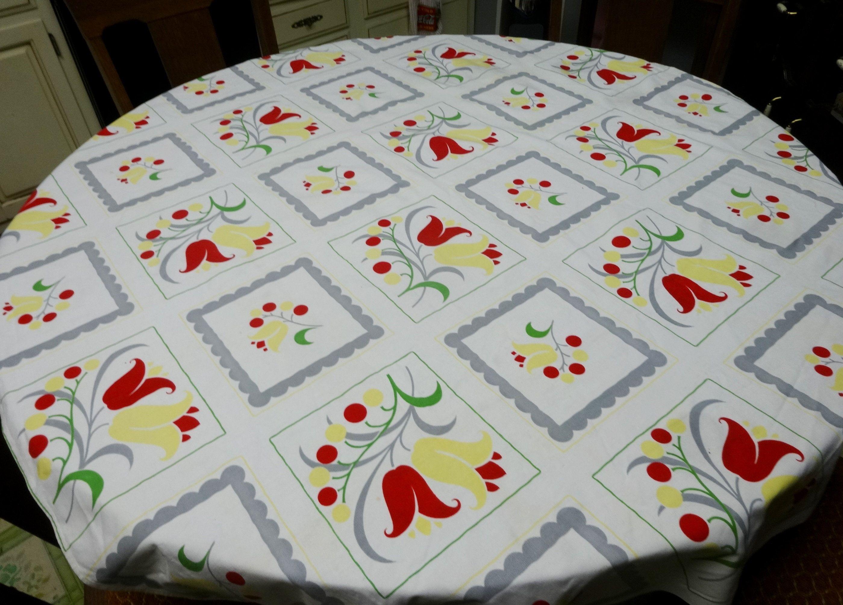 Vintage Linens  Linen Table Napkins  Embroidered Linen Napkins  Windmills /& Tulips  Dutch Theme Linen Napkins