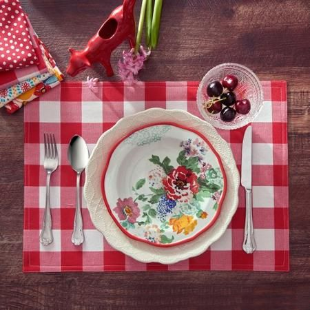 The Pioneer Woman Charming Check Reversible Placemat Red Walmart Com Pioneer Woman Kitchen Kitchen Linens Pioneer Woman