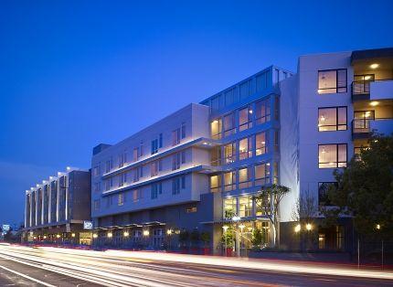 Social Salon Suites Empower Stylists In Glendale California Los Angeles Apartments Apartments Exterior Salon Suite