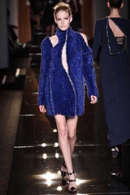 Atelier Versace | Fall/Winter 2013 Couture Collection via Donatella Versace | Modeled by Louise Parker | June 30, 2013; Paris | Style.com