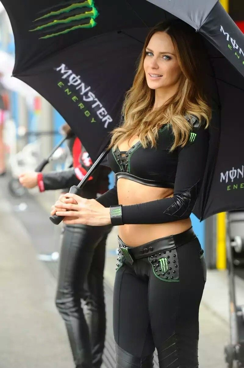 Grid girls monsters