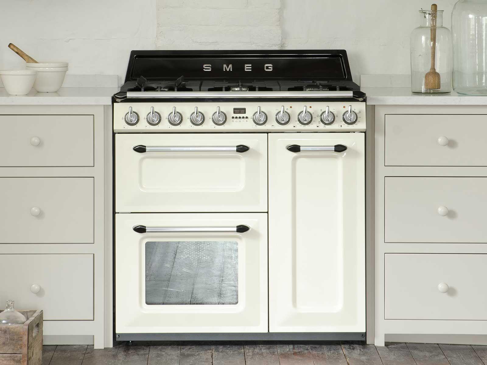 Smeg Kühlschrank Victoria : Image result for gas oven smeg victoria small kitchen pinterest