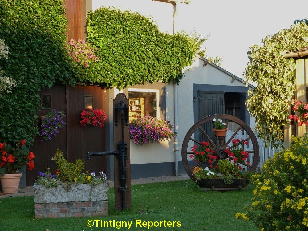 Ansart Tintigny (Belgique) Village probablement d'origine Mérovingienne ou Carolingienne, Ansart fut, au début, un petit hameau de pêcheurs le long de la Rulles et non loin de la Semois. Le village a évidemment suivi les vicissitudes de la Seigneurie de Villemont jusqu'à la révolution française