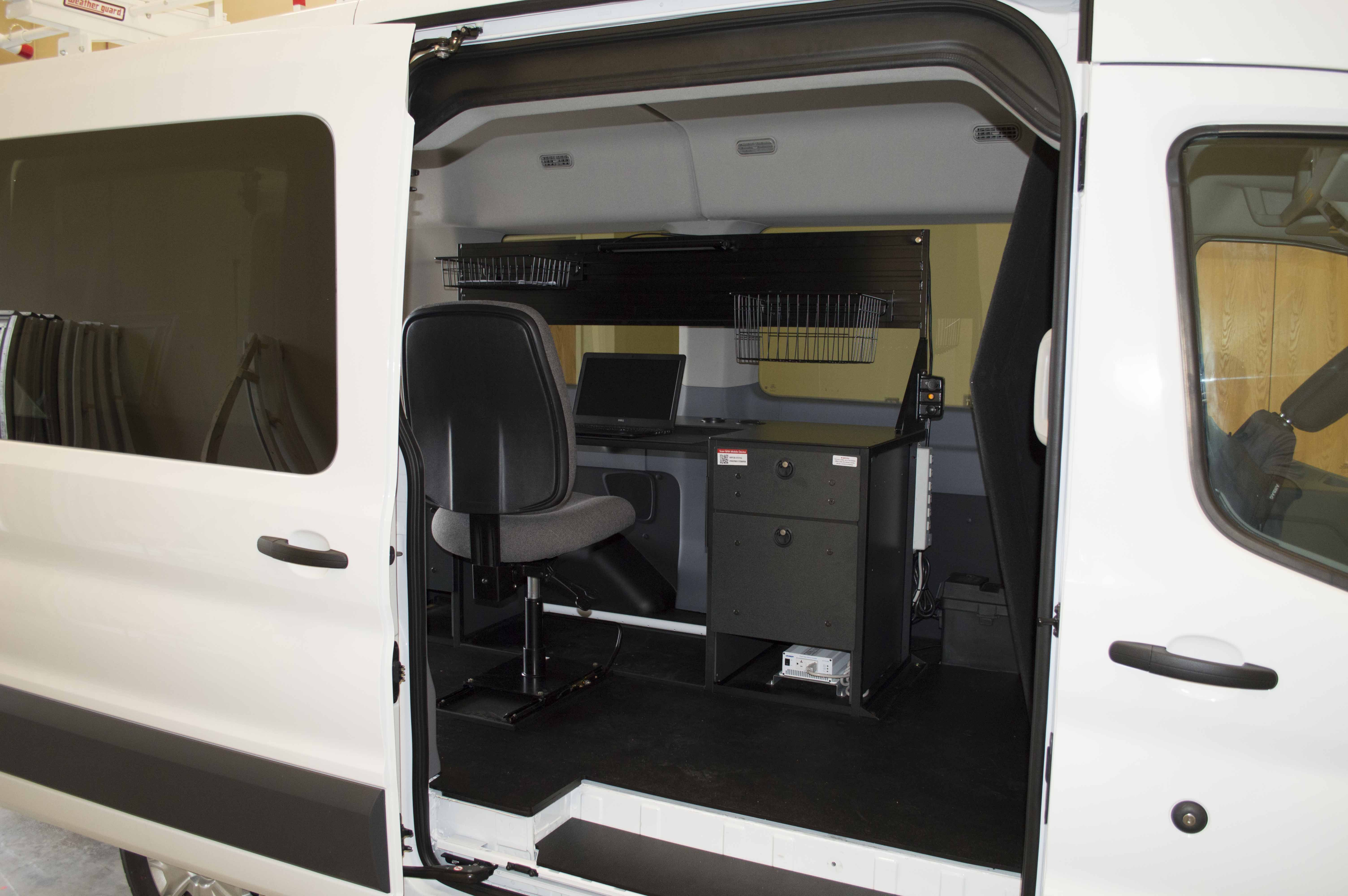 the new ford transit mid roof van provides lots of space. Black Bedroom Furniture Sets. Home Design Ideas
