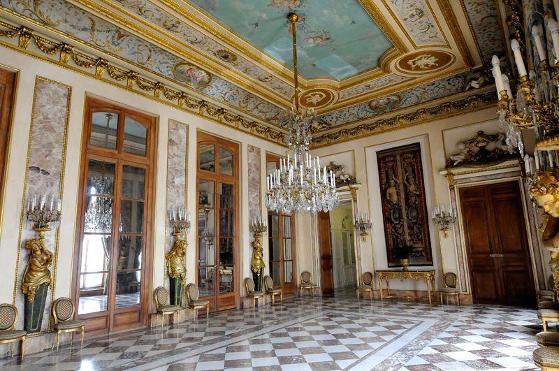 H tel de lassay 1730 128 rue de l 39 universit paris 75007 la salle manger 1771 et 1845 1848 - Hotel miroir plafond paris ...