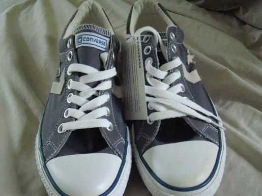 Converse Sneakers size 7.5