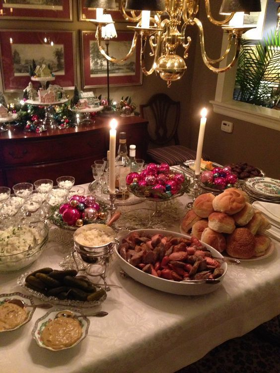Easy Christmas Eve Appetizers Ideas for a Crowd #christmaseve   Christmas eve dinner