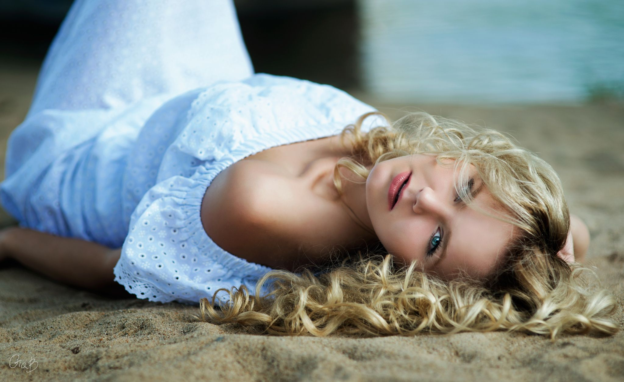 goluboglazie-blondinki-nozhki