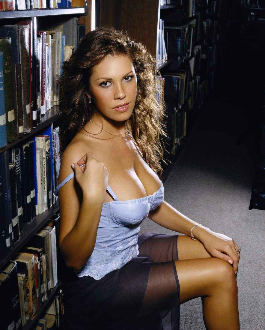 Cleavage Nikki Cox naked (52 images), Cleavage