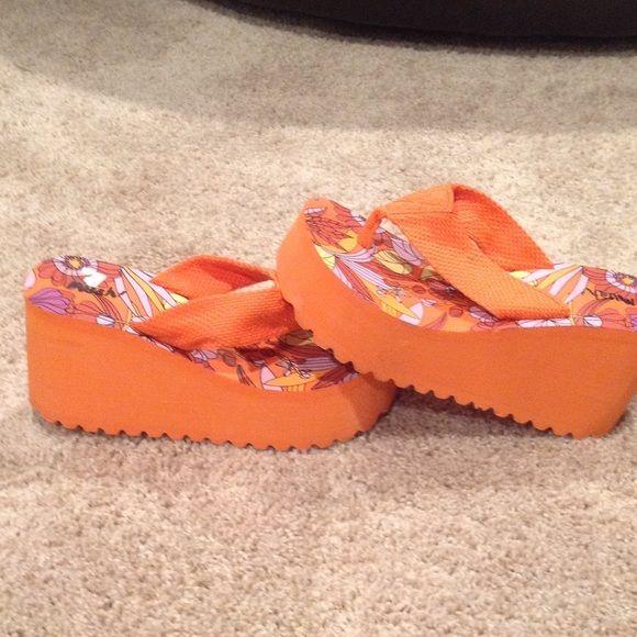 885cdfc8c1894c Muah! Shoes - Orange platform flip-flops