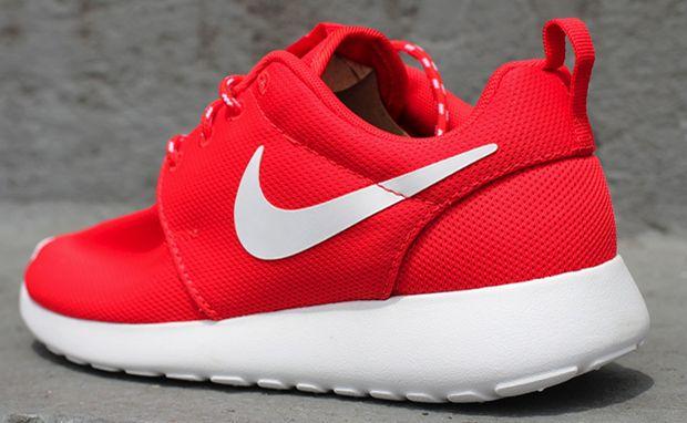 Nike WMNS Roshe Run Challenge Red/White