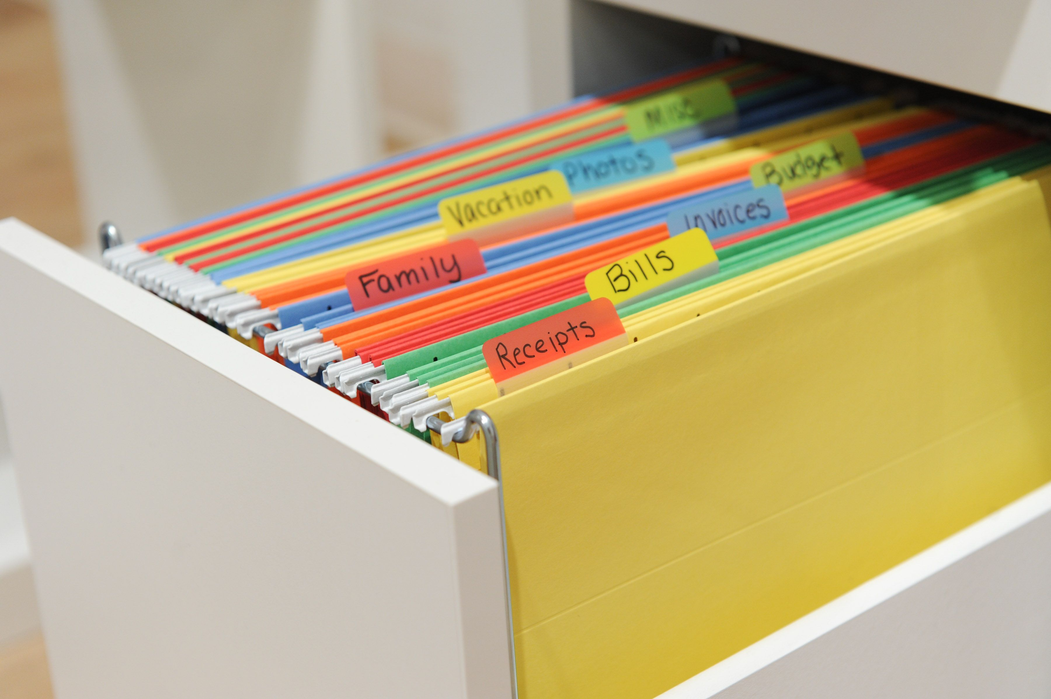 Keep receipts, bills, and budget papers organized in your home office with colorful Post-it® Durable tabs.   Post-it.com/tabs