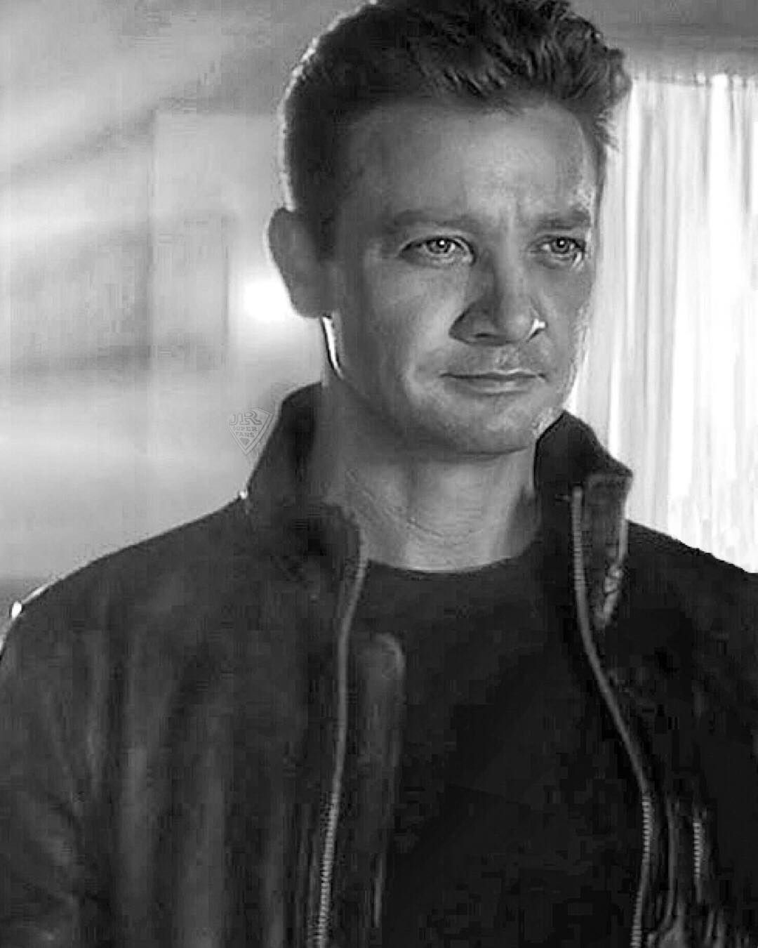 Jeremy Renner in TAG m...
