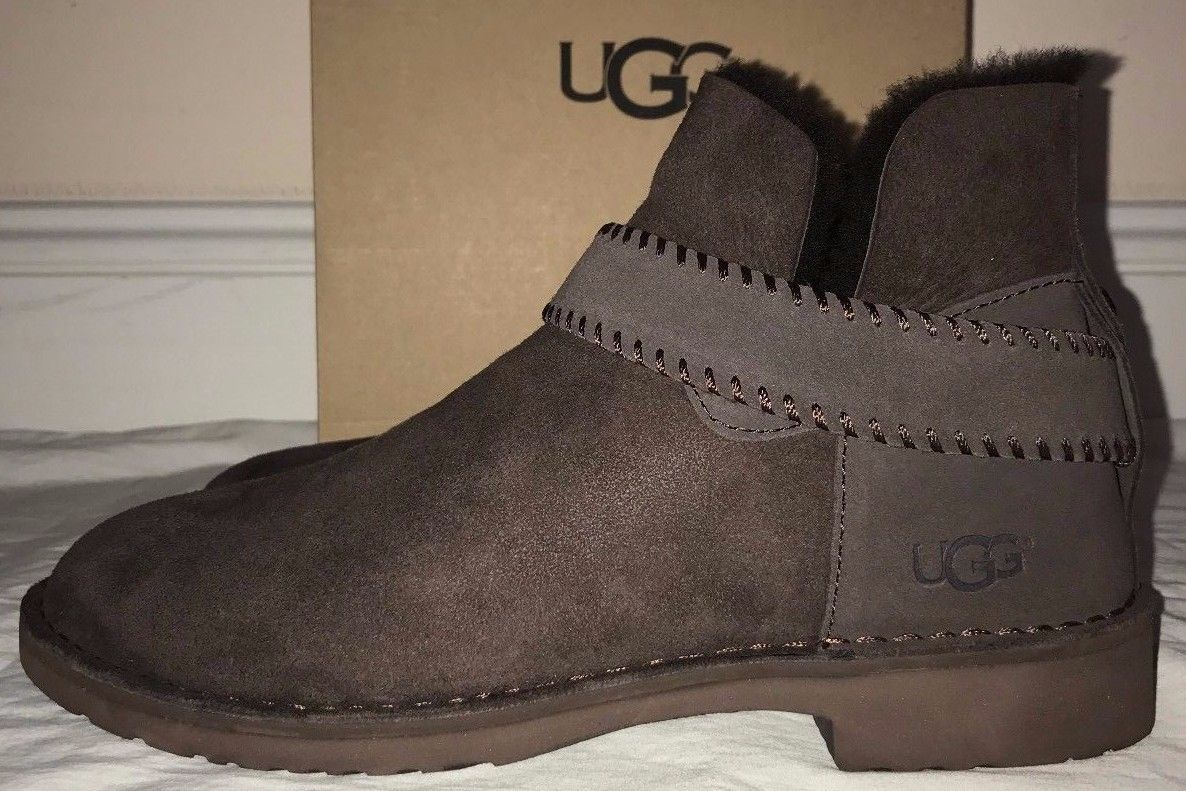 2e5dcabdaf4 Ugg Australia Womens McKay Chocolate Brown Boots Size 10 | Christmas ...