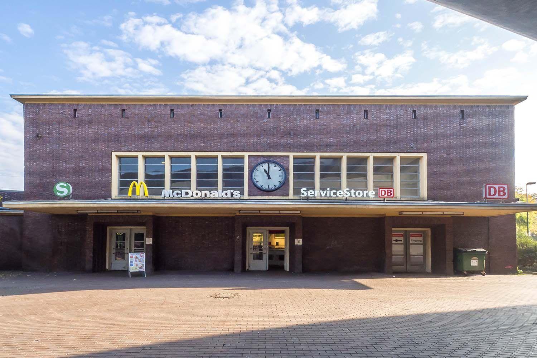 Denkmalgeschützter Bahnhof DüsseldorfBenrath Düsseldorf