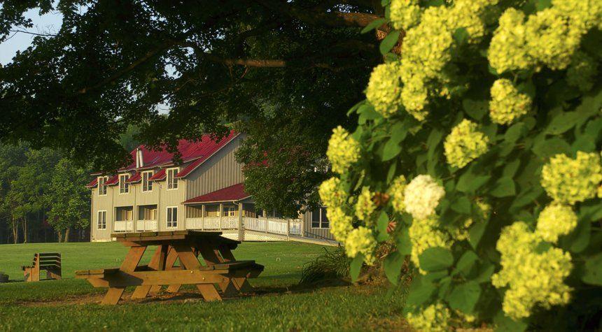 Murphin Ridge Inn West Union Oh Romantic Vacations Country Inn