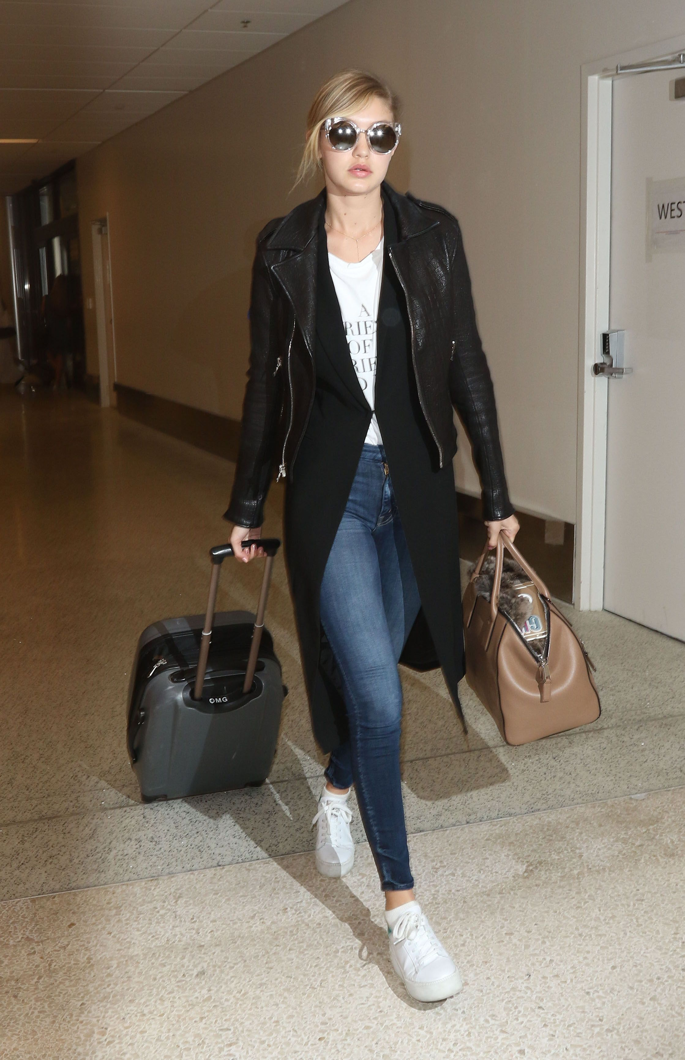 The Best In Celebrity Airport Style Airport Style Celebrity Airport Style And Airport Outfits