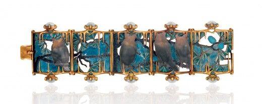 Braccialetto Guffi in calcedonio, smalto traslucido, oro smaltato, cristallo e oro, René Lalique, 1900 circa, Lisbona, Fondazione Calouste Gulbenkian