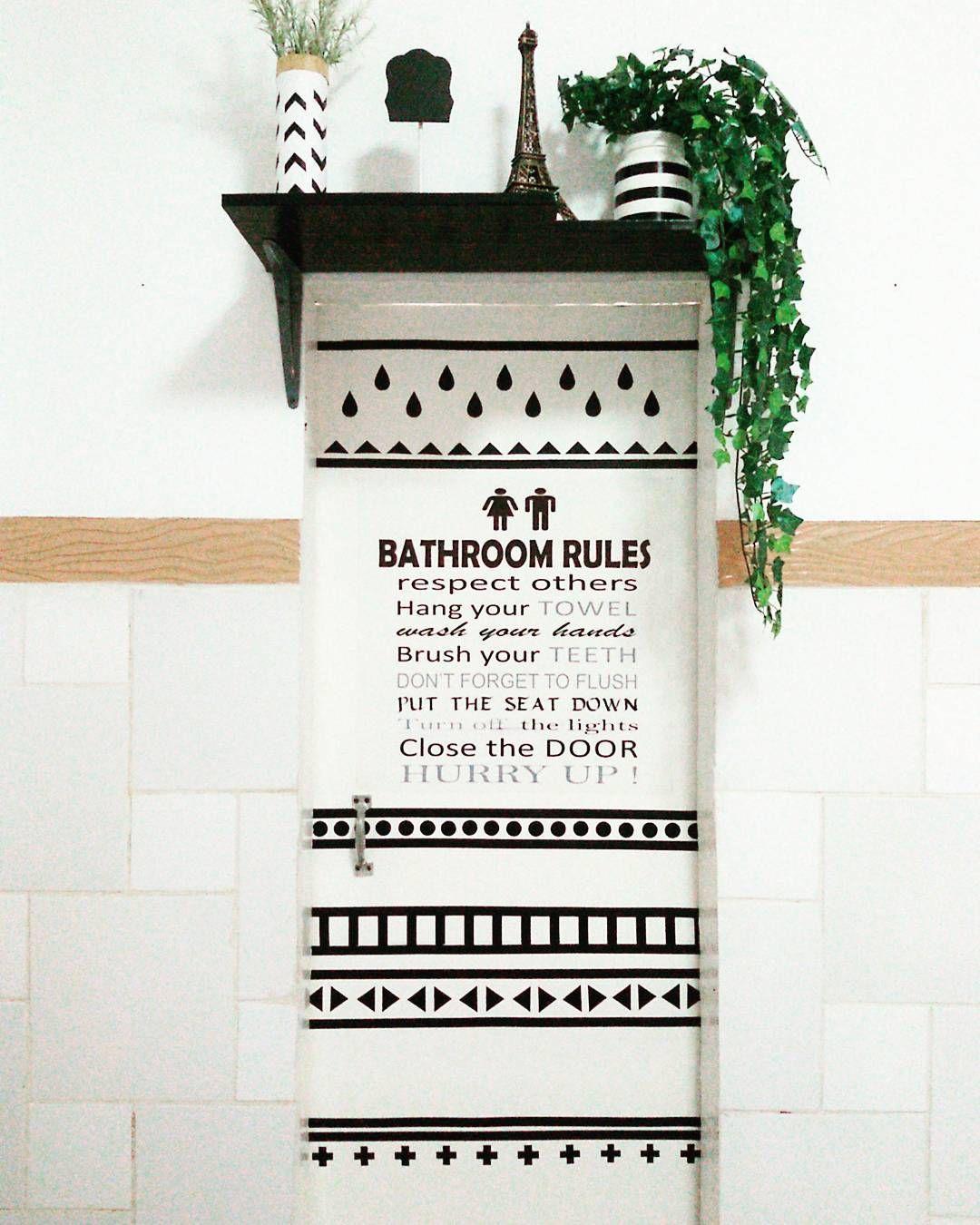 dekorasi pintu kamar mandi yang keren banget lagi ngetrend