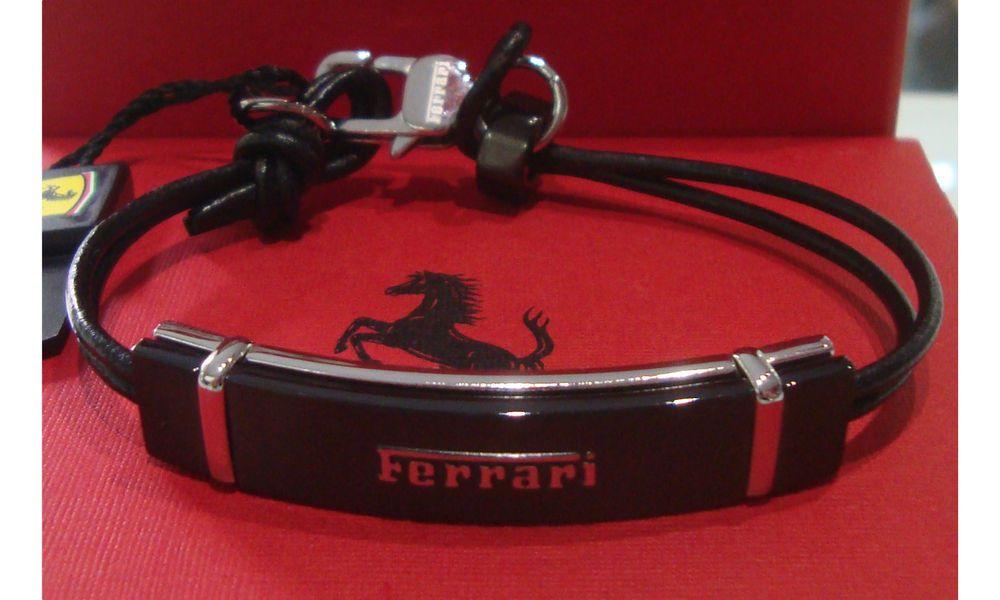 f4b0dd00dbdbc4 Ferrari Bracciale rivetto uomo in acciaio e cuoio nero 31500483 Misura 21 cm