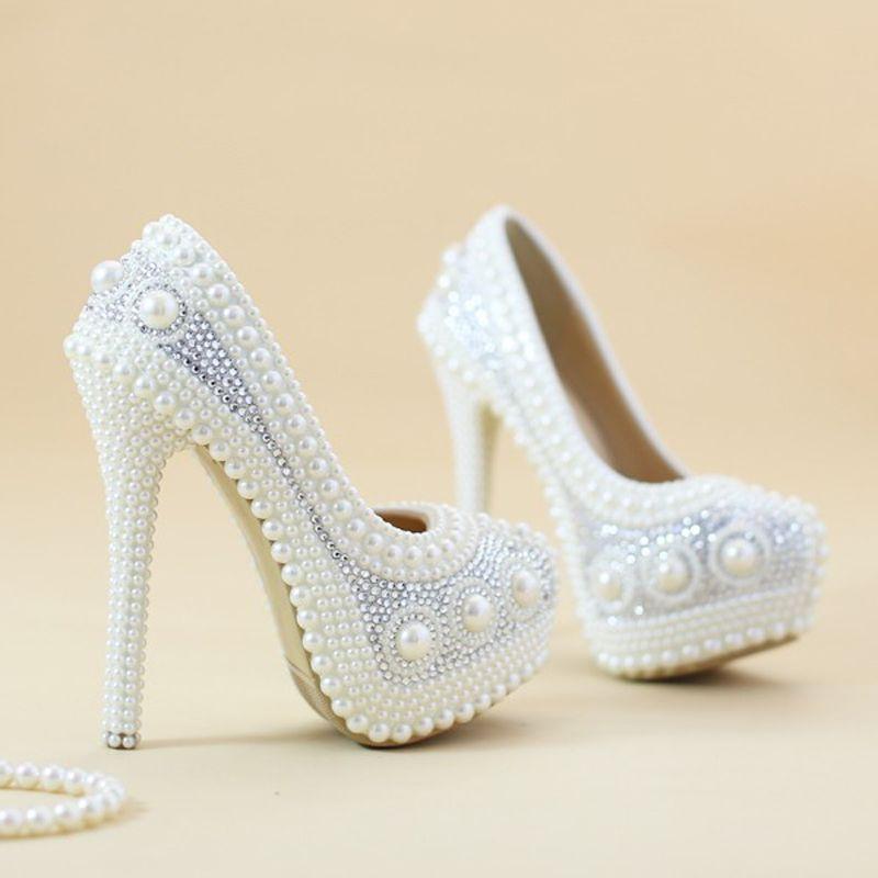 57a0086744 Barato Pérola luxuoso Sapatos De Noiva Branco Sapatos Formal Vestido de  Casamento Da Noiva Sapatos de Salto Alto Sapatos de Desempenho da  Plataforma Bombas ...