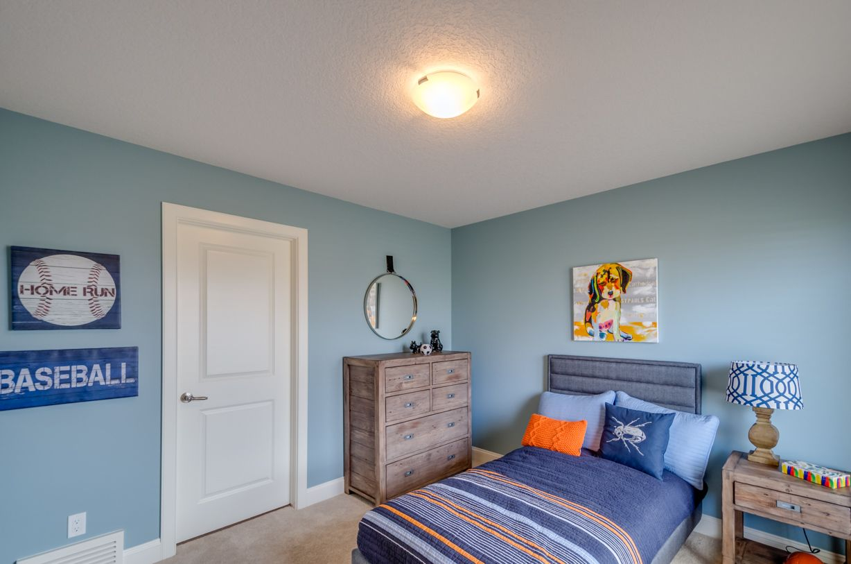 Cute boys bedroom Augusta Fine Homes in Edmonton Alberta – Bedroom Builder